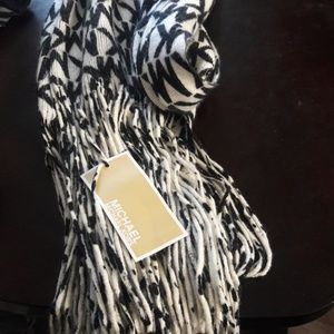 Micheal Kors 6ft Monogram Scarf